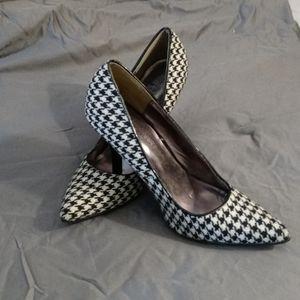 RAMPAGE Houndstooth Heels